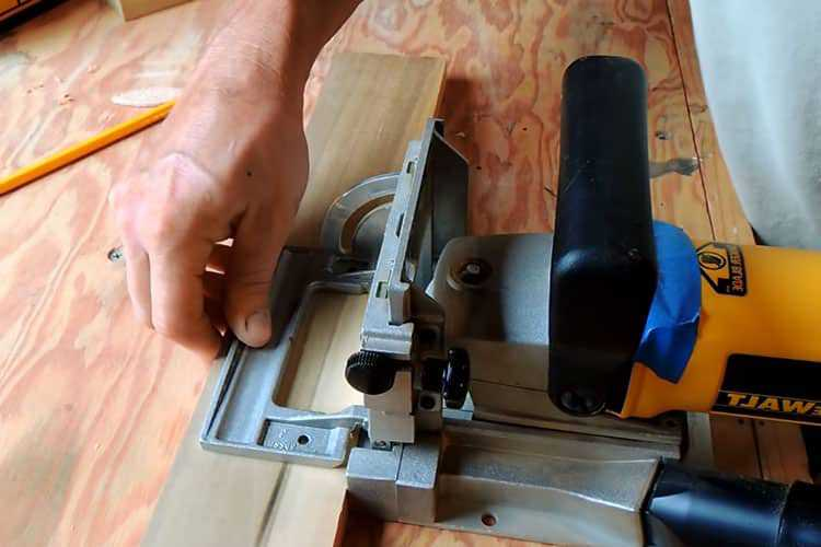 Follow the safety measures while woodworking