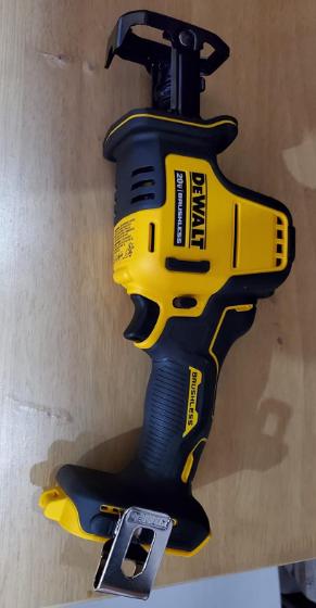 DEWALT DCS369B ATOMIC 20V MAX Cordless One-Handed Reciprocating Saw