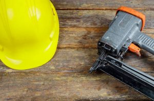 Pin Nailer vs Brad Nailer | Which is better ?| Differences between them